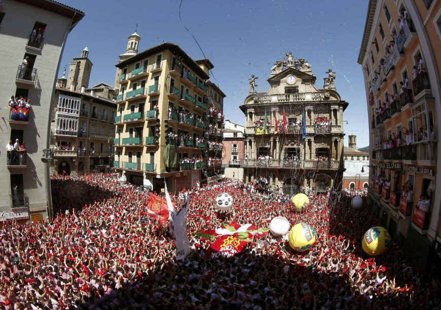 "Your local, ""loco"" guide to the festival of San Fermín"